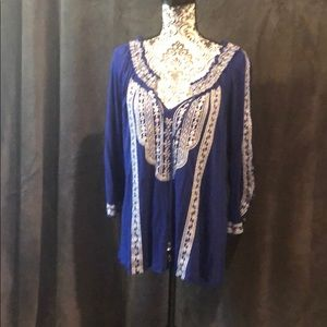 Embroidered split sleeve blouse